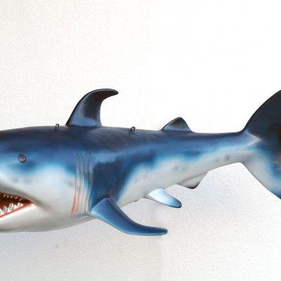 פסל של כריש