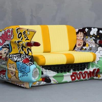 ספה בצורת רכב בפופ ארט