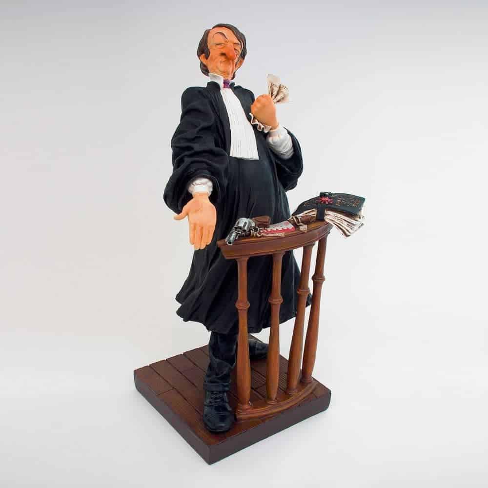 פסל של עורך דין