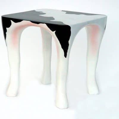 שולחן קפה פרה