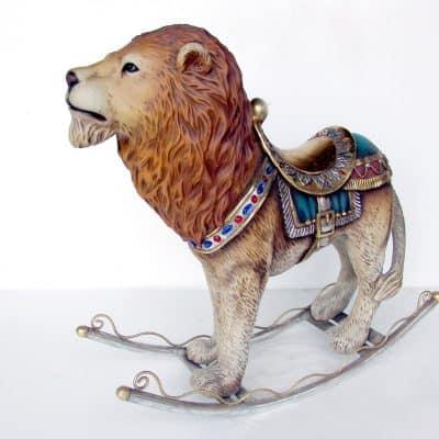 אריה נדנדה