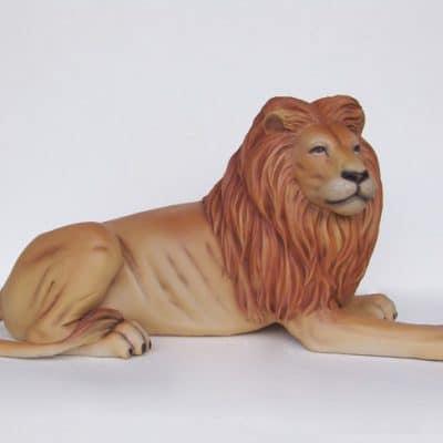 פסל של אריה רובץ