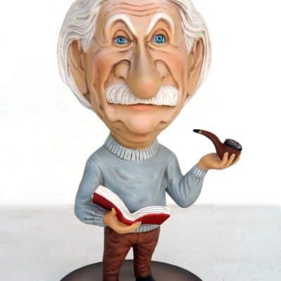 פסל אלברט איינשטיין עם פייפ