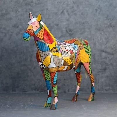 פסל סוס בפופ ארט