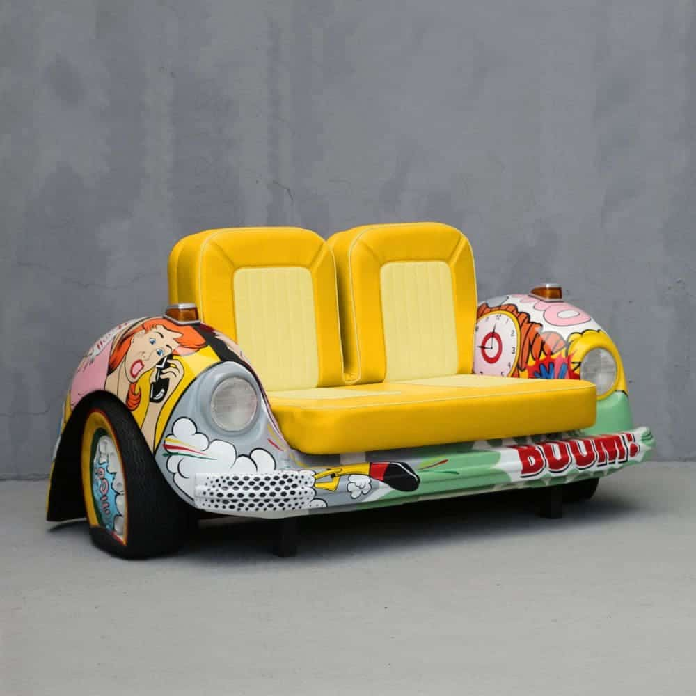 ספה בצורת רכב חיפושית בפופ ארט