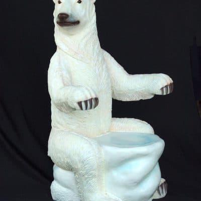 כסא דב לבן