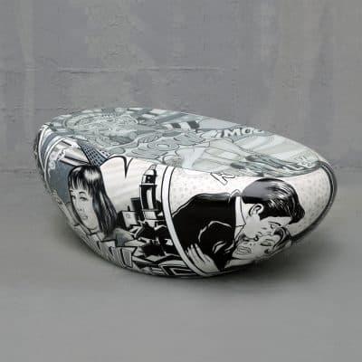 שולחן ביצה שחור לבן