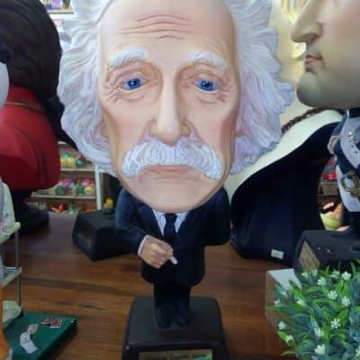 פסל אלברט איינשטיין