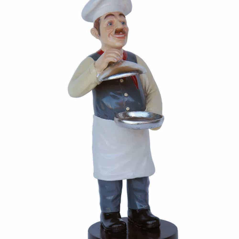 פסל של טבח עם סיר
