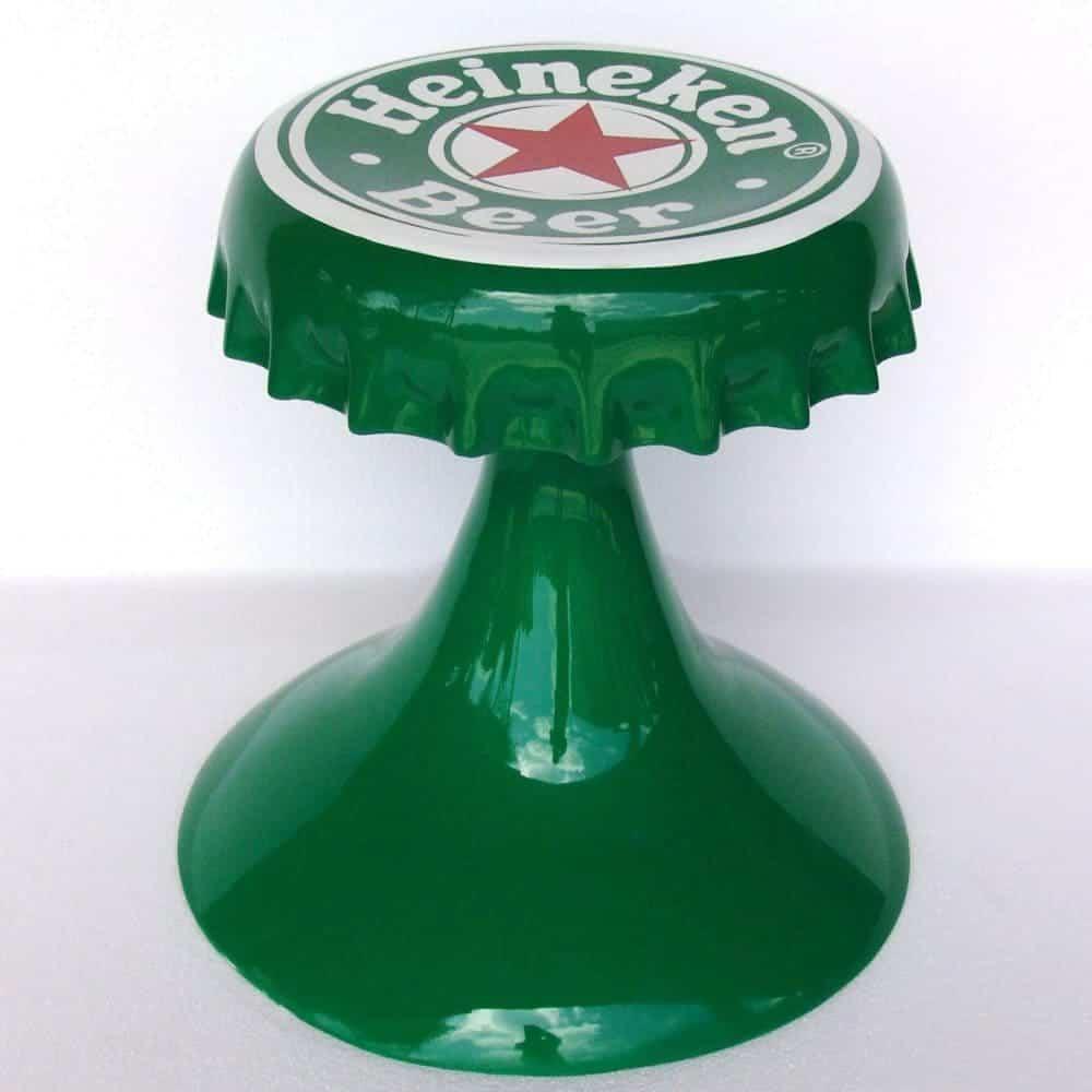 כיסא בצורת פקק בירה