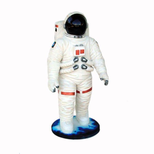 פסל אסטרונאוט קטן