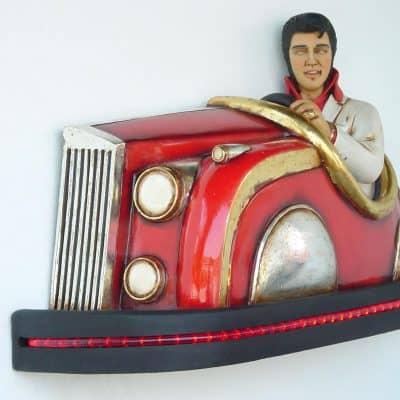 אלביס במכונית