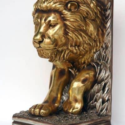 עמוד אריה עומד