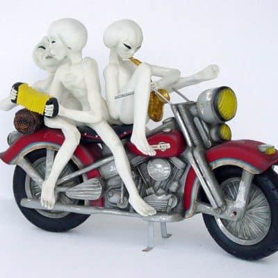 חייזרים על אופנוע
