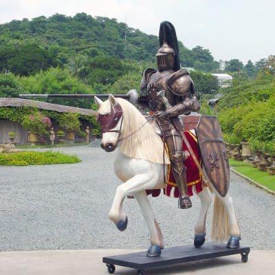 אביר שריון על סוס
