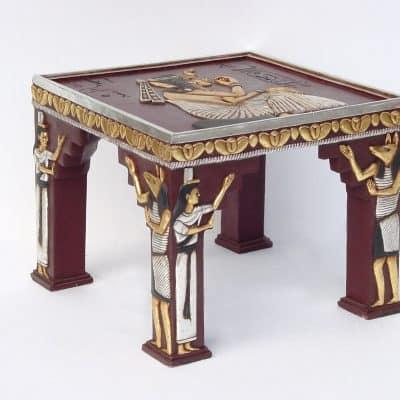 שולחן בסגנון מצרים
