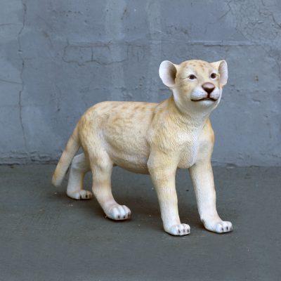 פסל של גור אריה