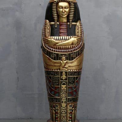 ארון קבורה מיצרי של המלכה