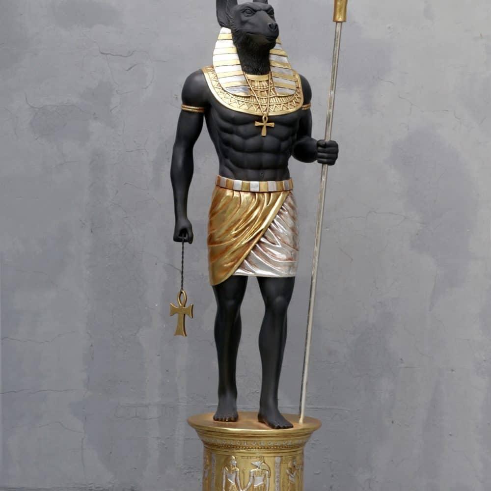 פסל של אנוביס