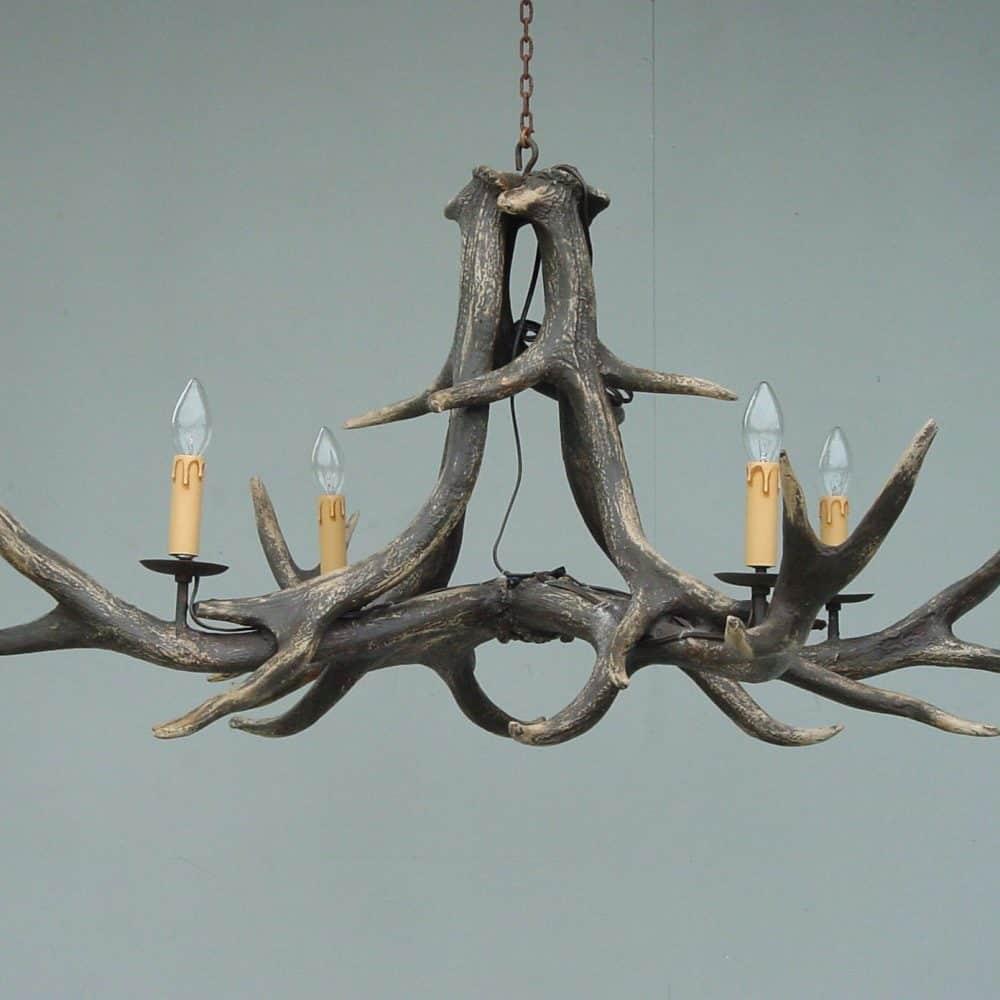 שנדליר קרניים 4 מנורות