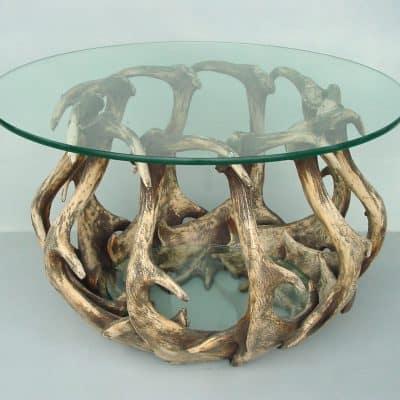 שולחן קפה קרניים