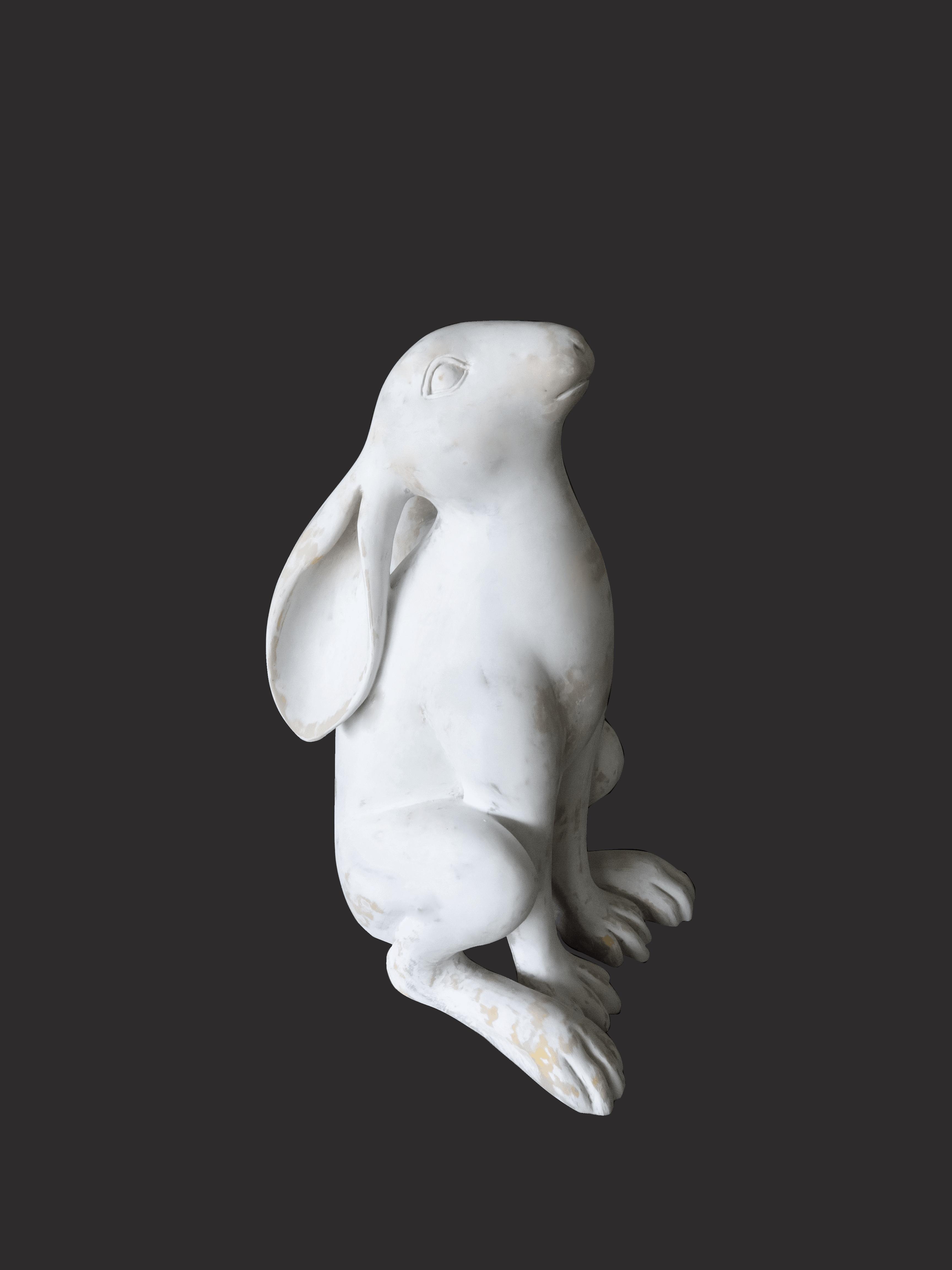 פסל של ארנב לבן
