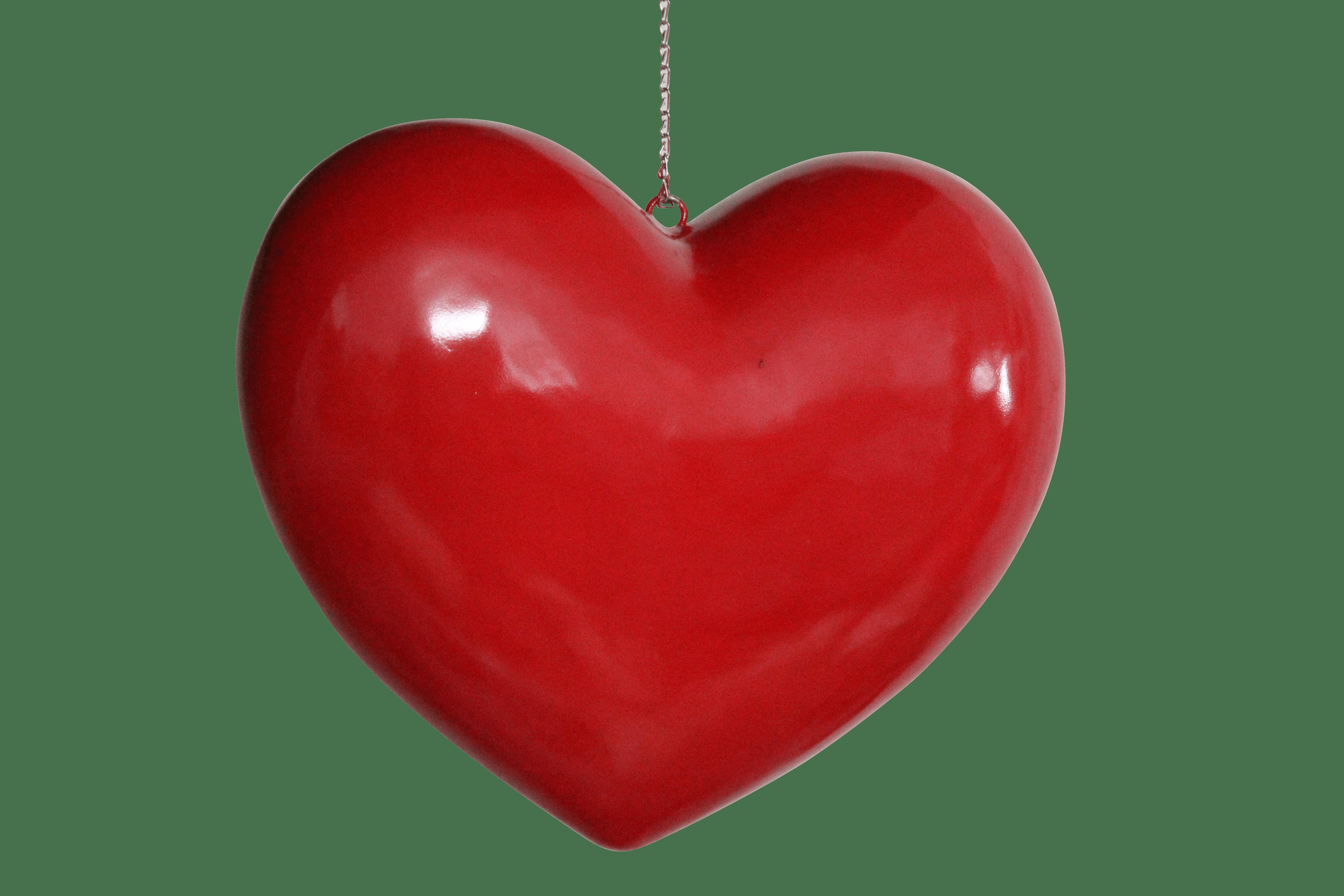 פסל של לב לתלייה