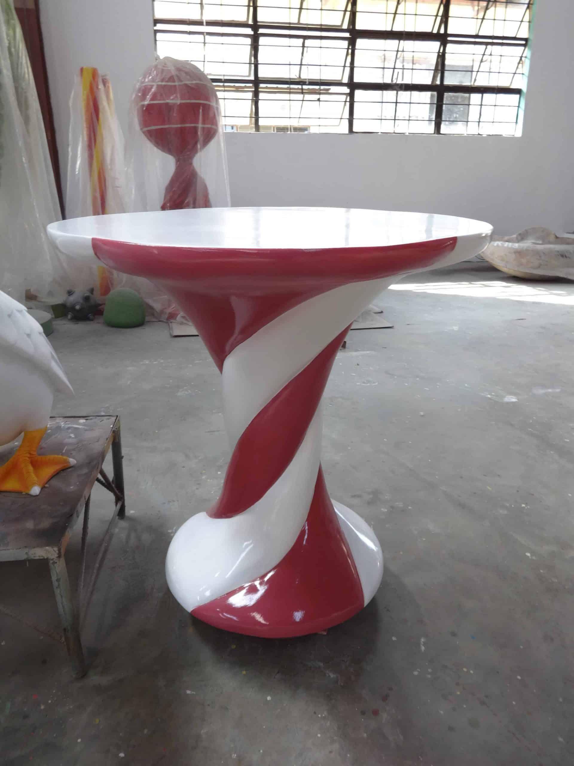שולחן בצורת מרשמלו