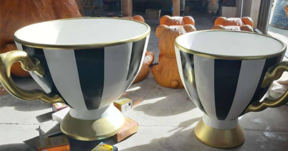 ספל תה ענק בדוגמת פסים שחור לבן